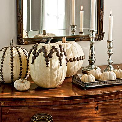 Nailhead White Pumpkins