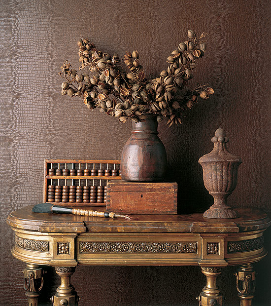 Rich Neutral Table Display