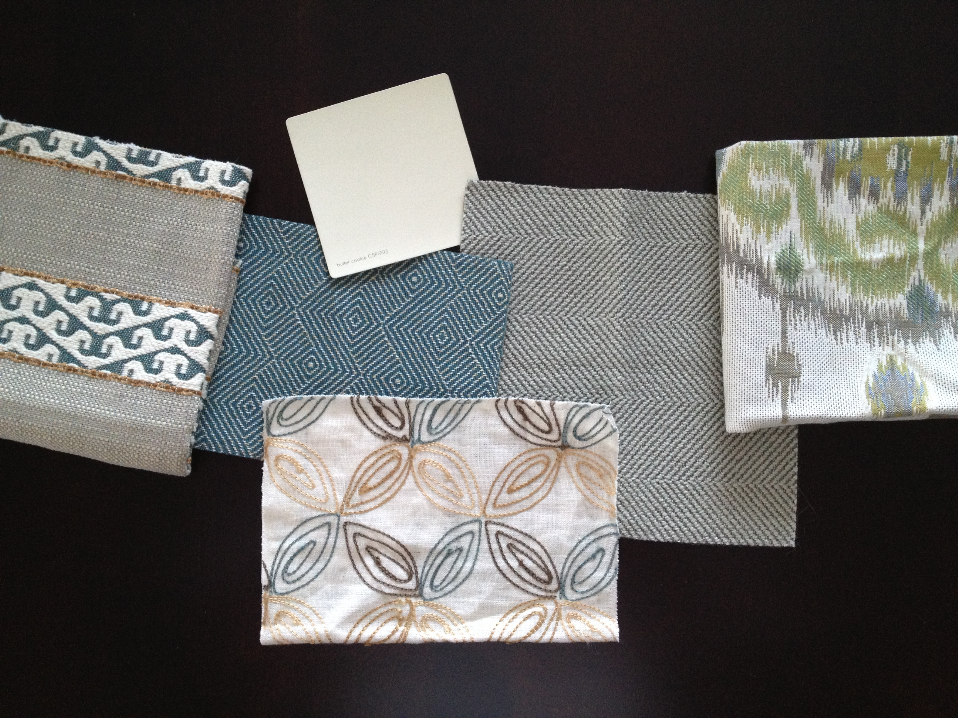 Family Room Textiles - Kelly Rogers Interiors