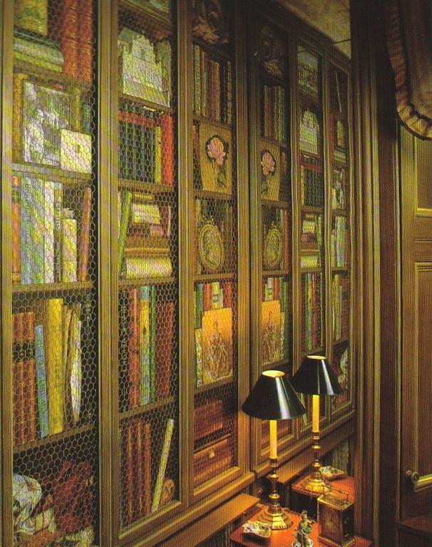 Colefax & Fowler trompe bookcases