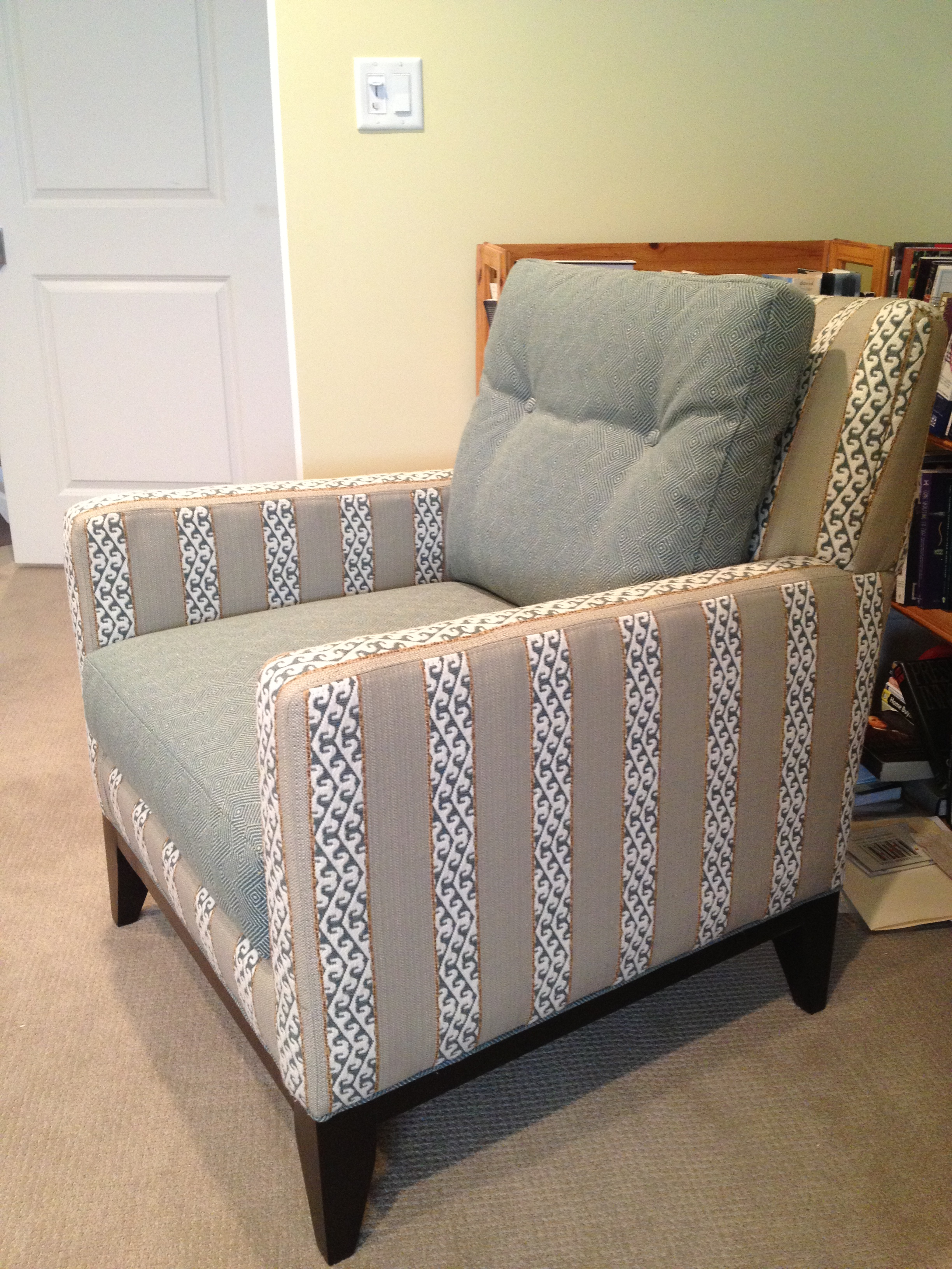 Sherrill Furniture lounge chair with Robert Allen fabric | Designed by Kelly Rogers Interiors