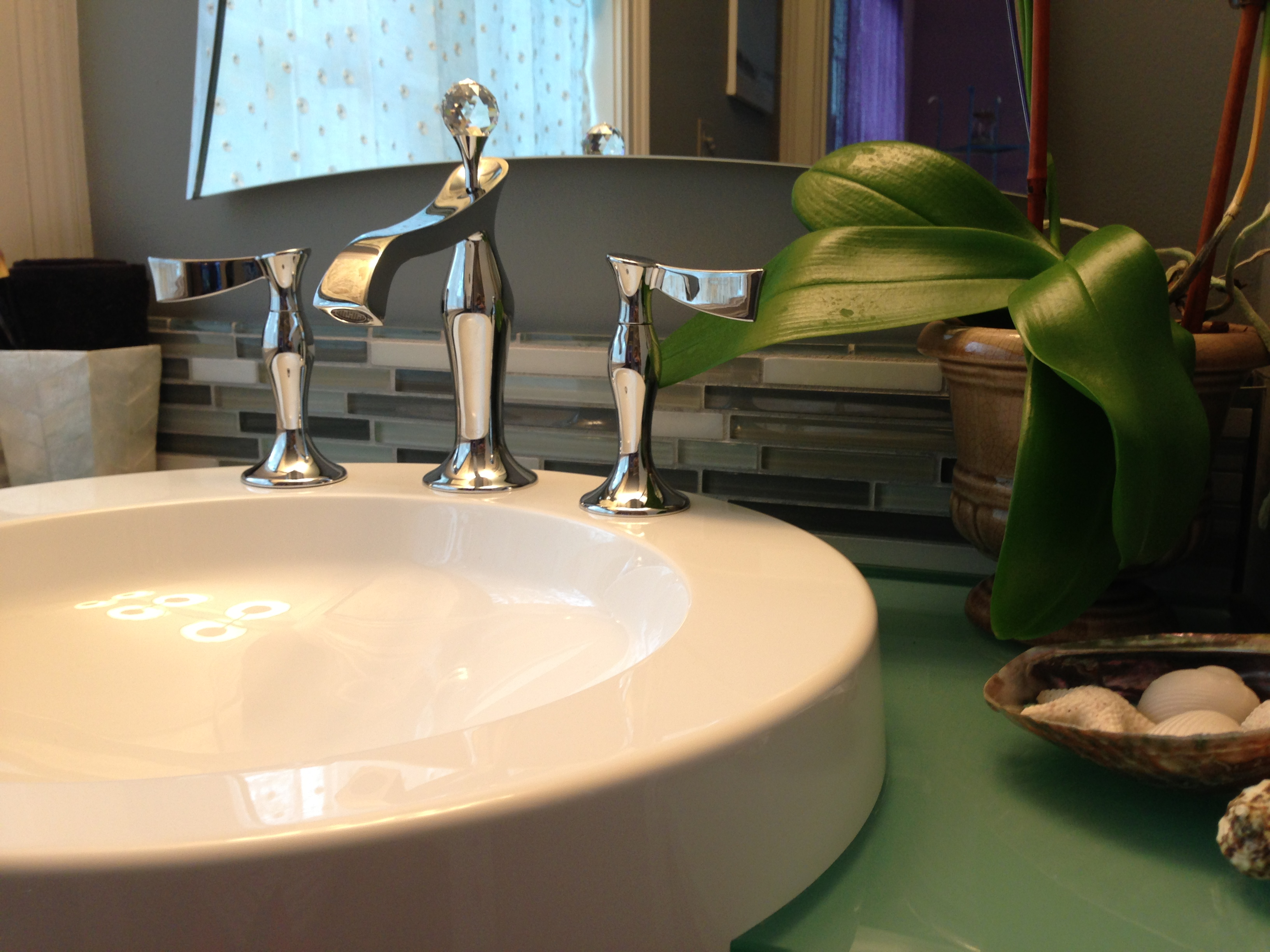 Secret Cove Show House 2013 - Syrena's Bath. Designer: Yvonne Blacker