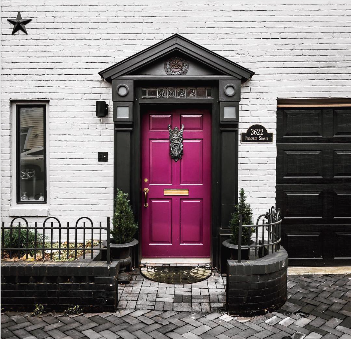 A Front Door I'd Like to Trick or Treat | Interiors for Families